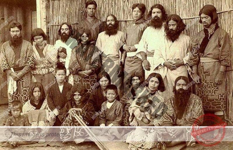 Старая фотография айнов, коренного населения Японских островов