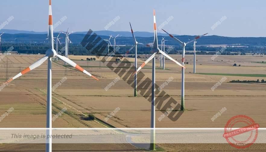 Ветрогенераторы на полях Германии